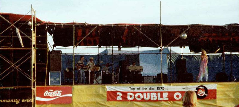 Laurel Lee and the band at Wollongong Showground 1980