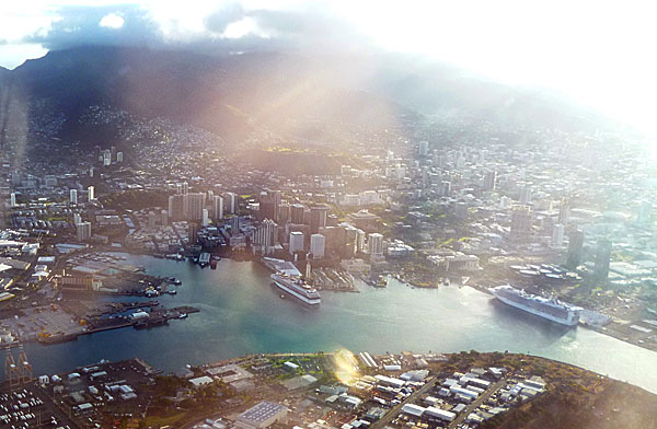 Honolulu from the air 2012